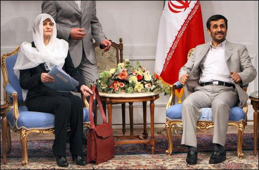 Die ehemalige Schweizer Bundespräsidentin Micheline Calmy-Rey auf Staatsbesuch im Iran.