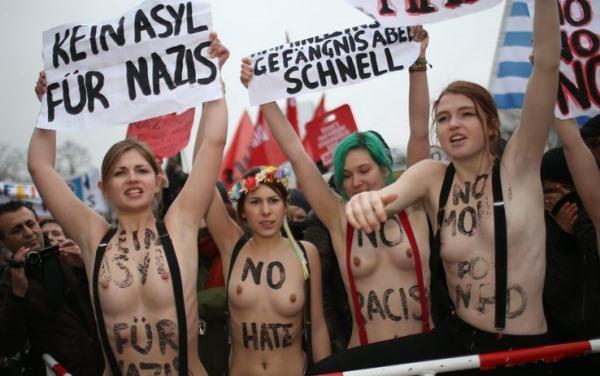 Nackte Feministinnen
