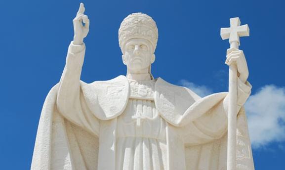 Manche Moralaposten tun päpstlicher als der  Papst.